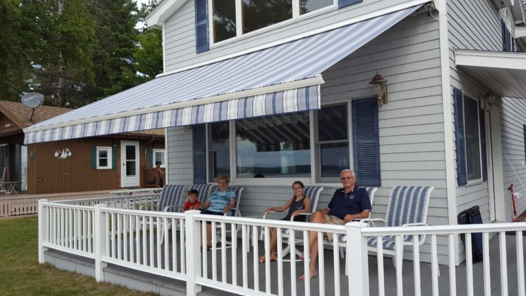 Motorized retractable awning installed in Thornton NH