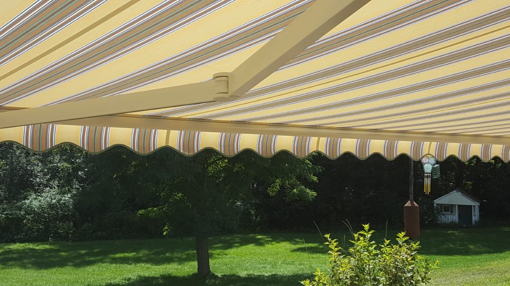 Sunesta retractable awning with wind sensor to autoumaticallly retract in high winds