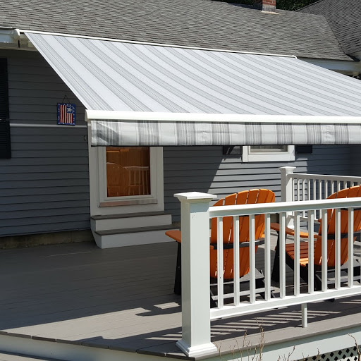 beautiful striped awning in Raymond NH